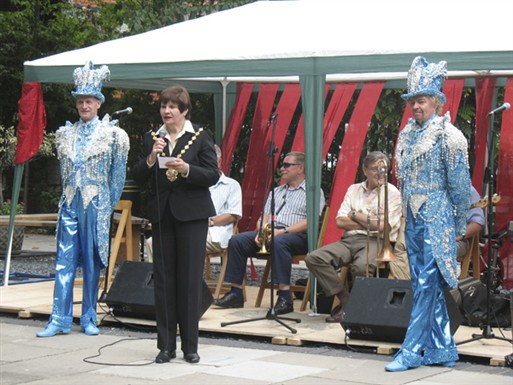 Photo:Lord Mayor of Westminster, Cllr Judith Warner officially opens the festival